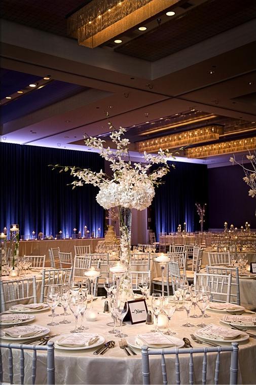 Wedding Flowers By Scarlet Petal Florist Chicago Il Hotel Arista