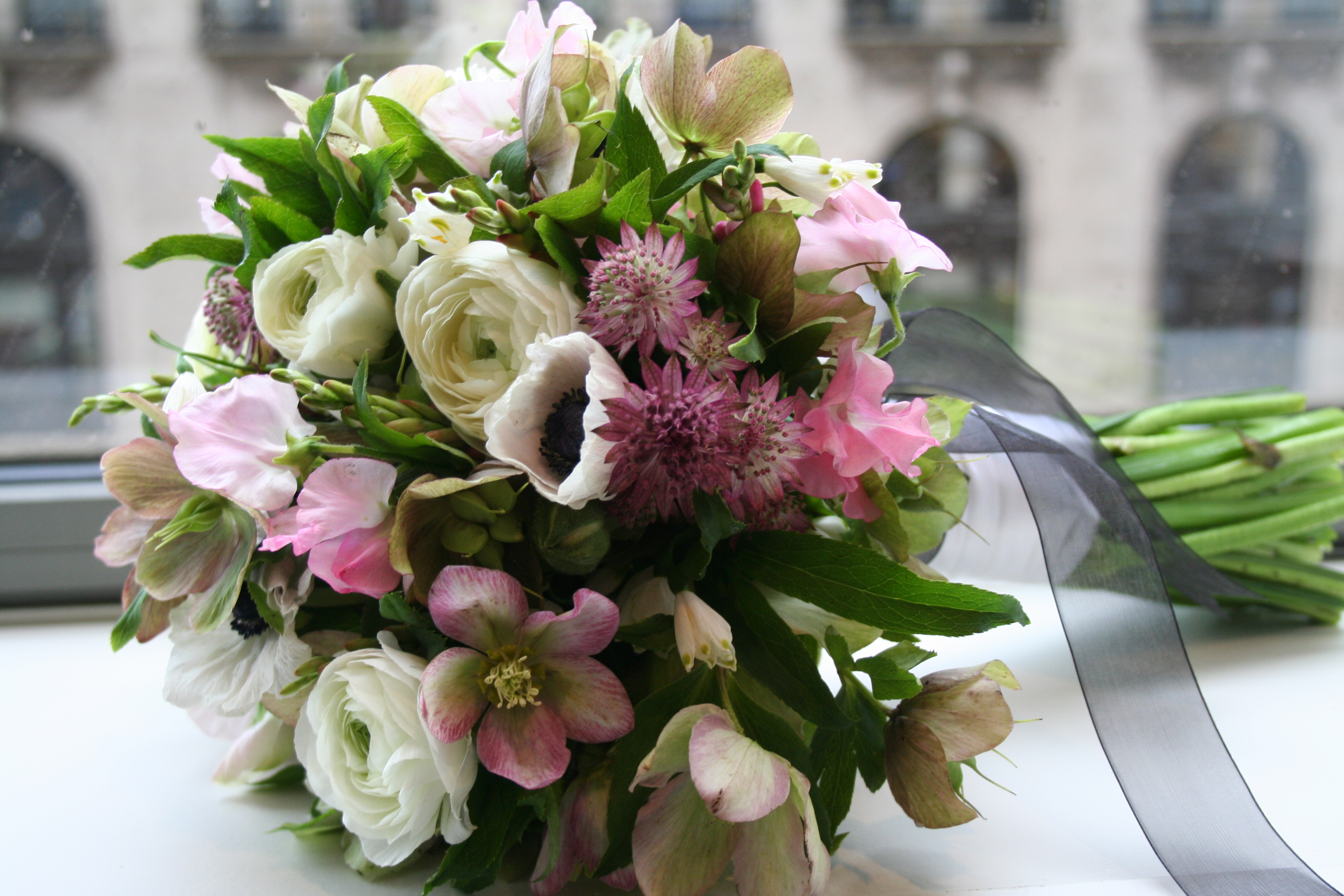 hellebores ranunculus bouquet wedding bridal sweet peas anemones astrantia jen schefft bachelorette chicago wedding