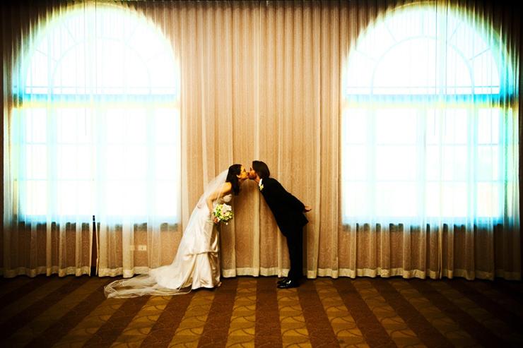 Kevin-weinstein-photography-hotel-orrington-evanston-wedding-jewish-ceremony-ketubah-tish-bedeken-hora