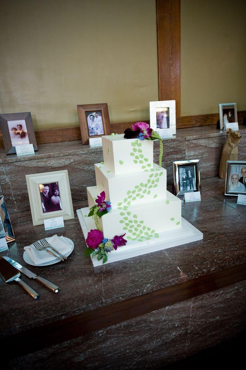 Green Wedding Cake_Cafe Brauer Wedding_Scarlet Petal