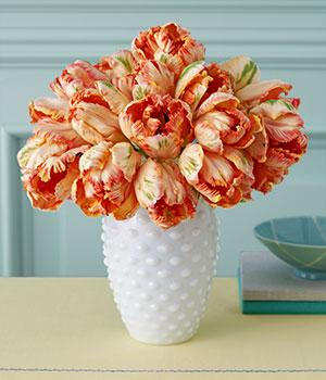 Wedding flowers by Scarlet Petal Florist Chicago, IL: Seasonal February Flowers