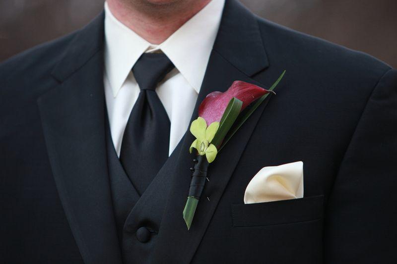 Calla Boutonniere_Scarlet Petal Wedding