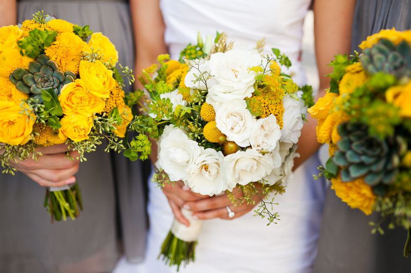 Yellow and White Flowers_Wedding_Scarlet Petal Chicago