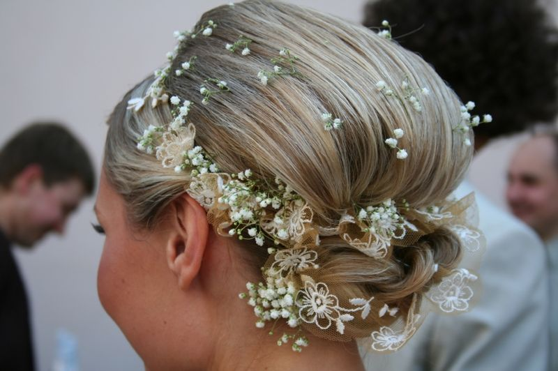 Wedding flowers by scarlet petal florist chicago il flowers or veil wedding hair styles with flowers mightylinksfo