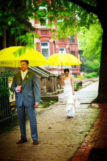 Bride-groom-first-glance-salvage-one-chicago-wedding-photographer-old-town-kevin-weinstein-photography_scarlet-petal