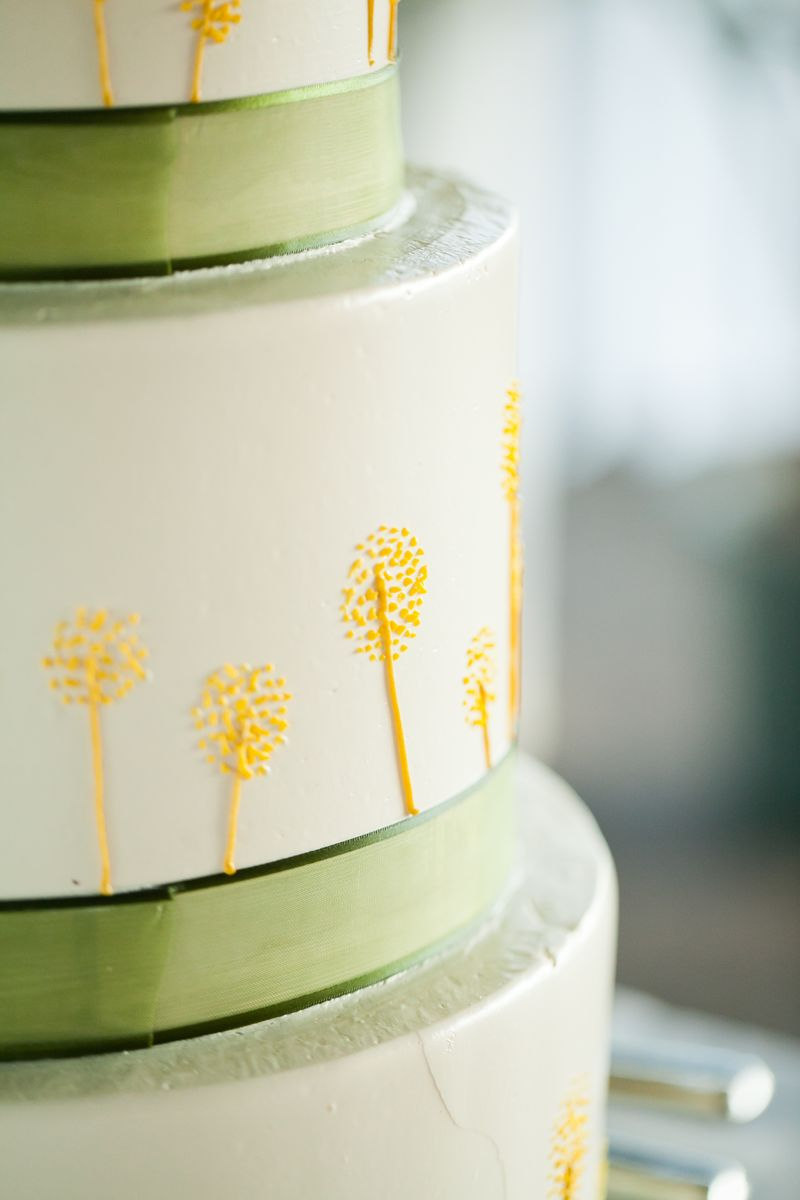 Yellow and Green Wedding Cake_Scarlet Petal Wedding