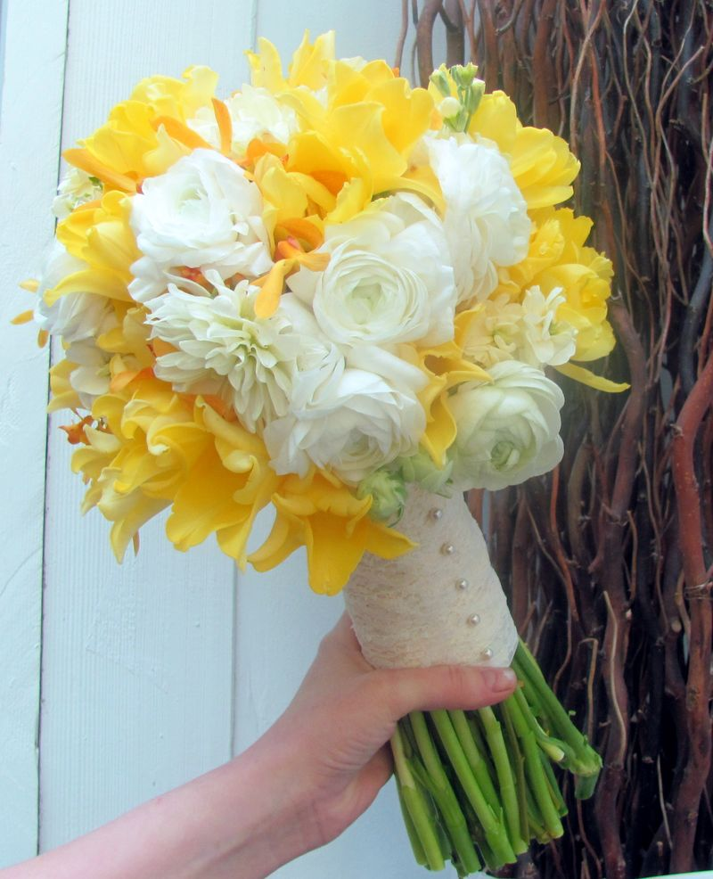 Tulip_Ranunculus Bouquet_Scarlet Petal