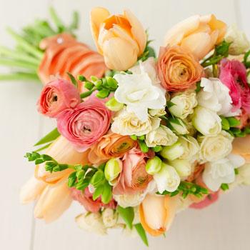 Wedding flowers by Scarlet Petal Florist in Chicago, IL: Seasonal