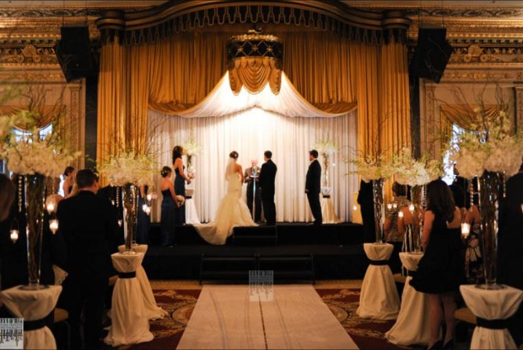 Empire Room_Palmer House Wedding_Scarlet Petal Chicago Wedding 1