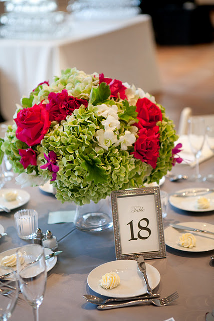 Fuchsia Rose and Green Hydrangea Centerpiece_Chicago History Museum Wedding_Scarlet Petal