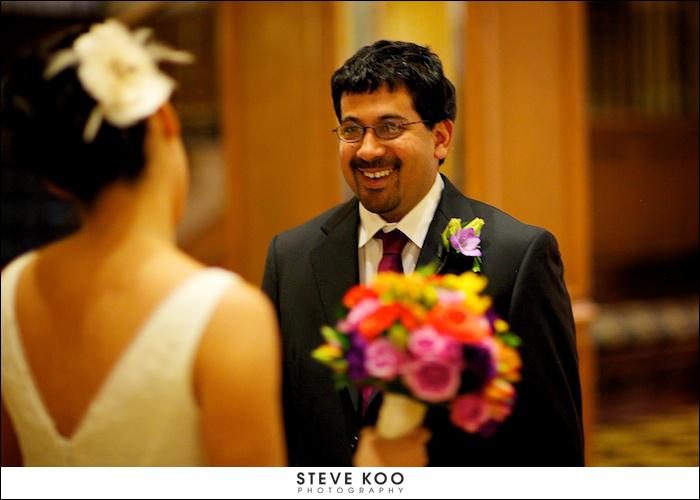 Wedding-drake-chicago_purple lisianthus boutonniere_scarlet petal