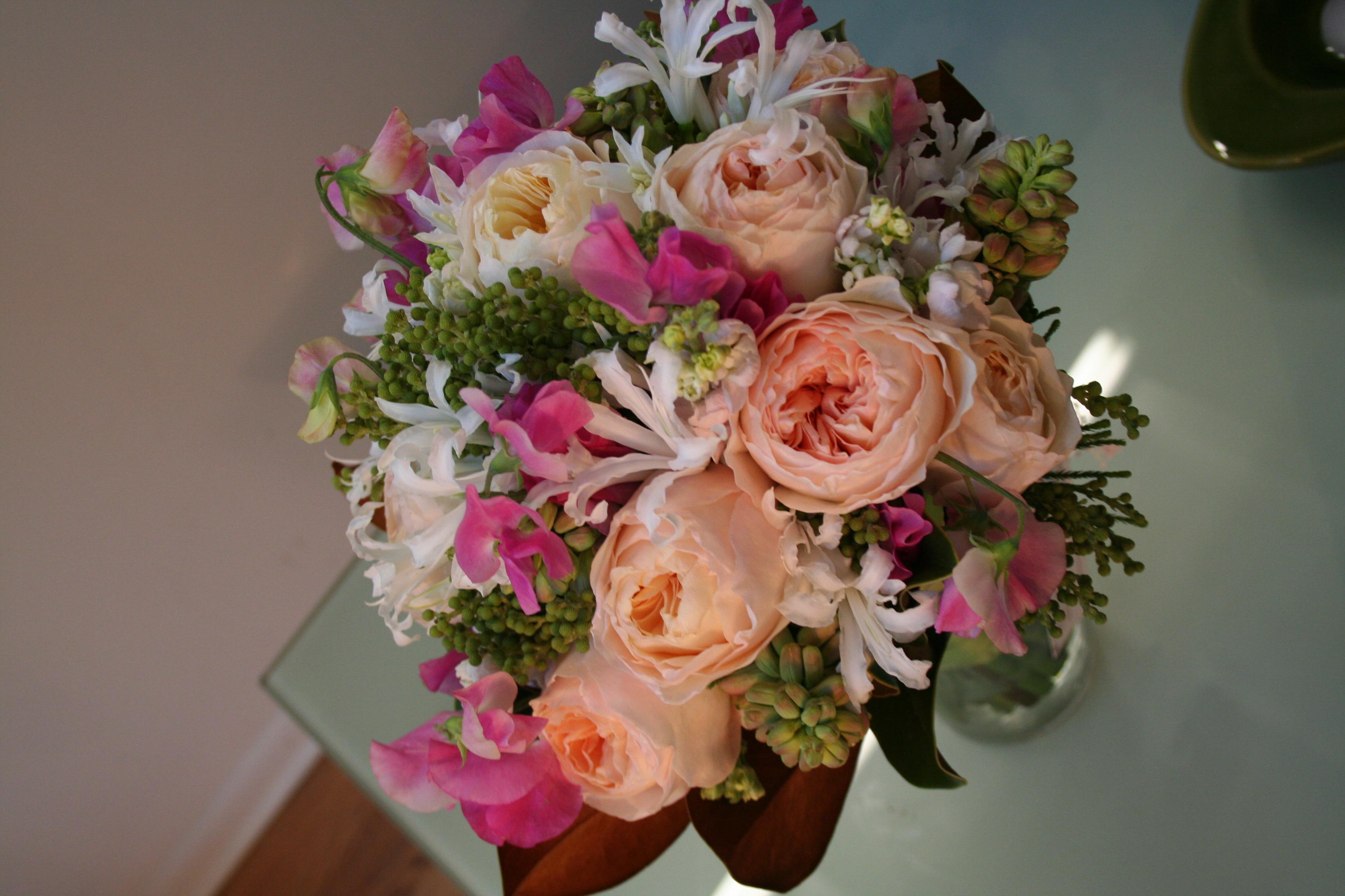 Wedding Flowers By Scarlet Petal Florist Chicago Il Peach Bouquet