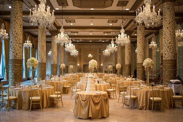 Chicago_drake_hotel_wedding_by_emilia_jane_photography_scarlet_petal_flowers_gold_candelabra