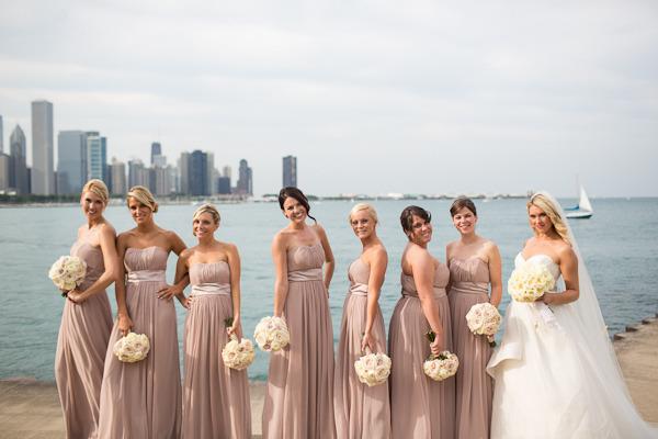 Chicago_drake_hotel_wedding_by_emilia_jane_photography_scarlet_petal_flowers_white_rose_bridal_bouquet
